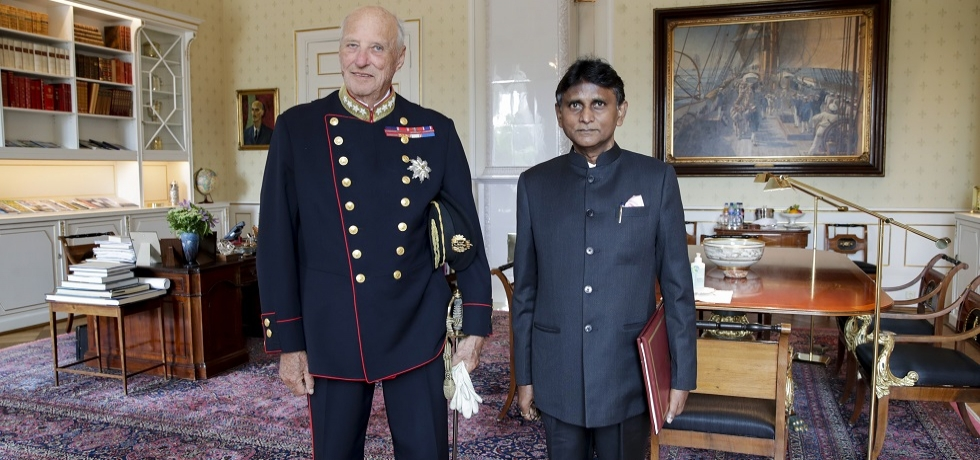 Presentation of Credentials by H.E. Dr. B. Bala Bhaskar, Ambassador of Republic of India to the Kingdom of Norway to His Majesty King Harald V of Norway on 27 August 2020