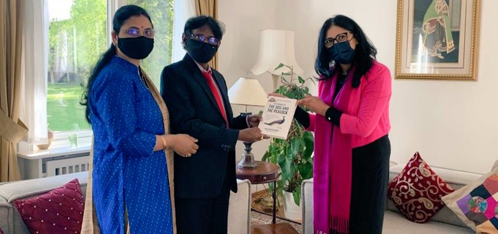 A social worker, established entrepreneur and renowned author of Indian origin, Ms. Loveleen Brenna, presented her book,