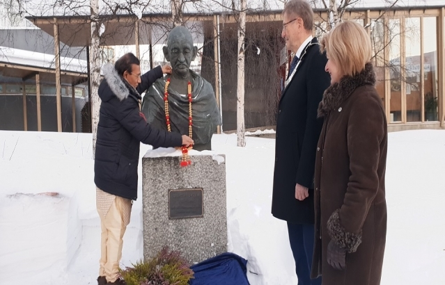 H.E. Mr. Krishan Kumar, Ambassador of India to Norway, garlanded and placed a wreath on the bust of Mahatma Gandhi at the Centre for Peace Studies, University of Tromsø (UiT) on January 30, 2019.